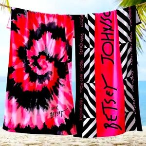 New Betsey Johnson beach towel set
